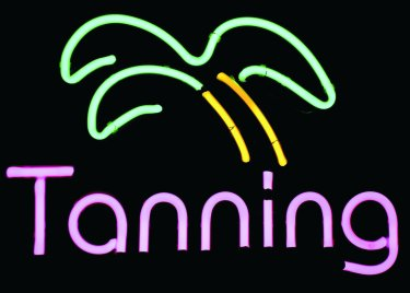 neon-tanning-with-palm-tree